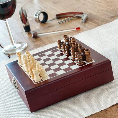 Ajándék ötletek borkedvelőknek sakk készlet