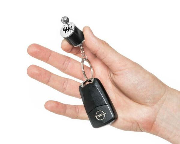 Sebességváltó kulcstartó kocsikulcson